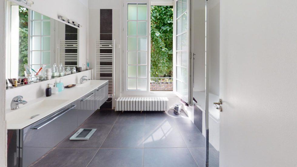 LA-COSTA-PAVADA-UrbanHouse360-Bathroom(1)