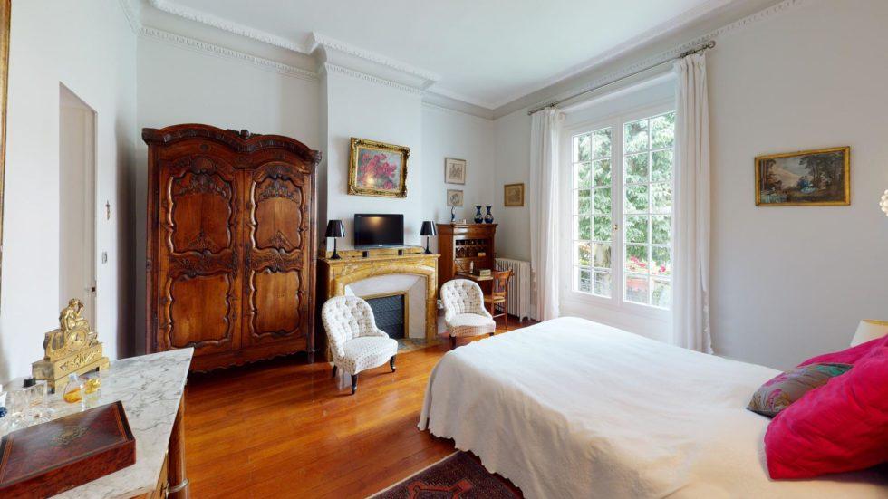 LA-COSTA-PAVADA-UrbanHouse360-Bedroom(1)