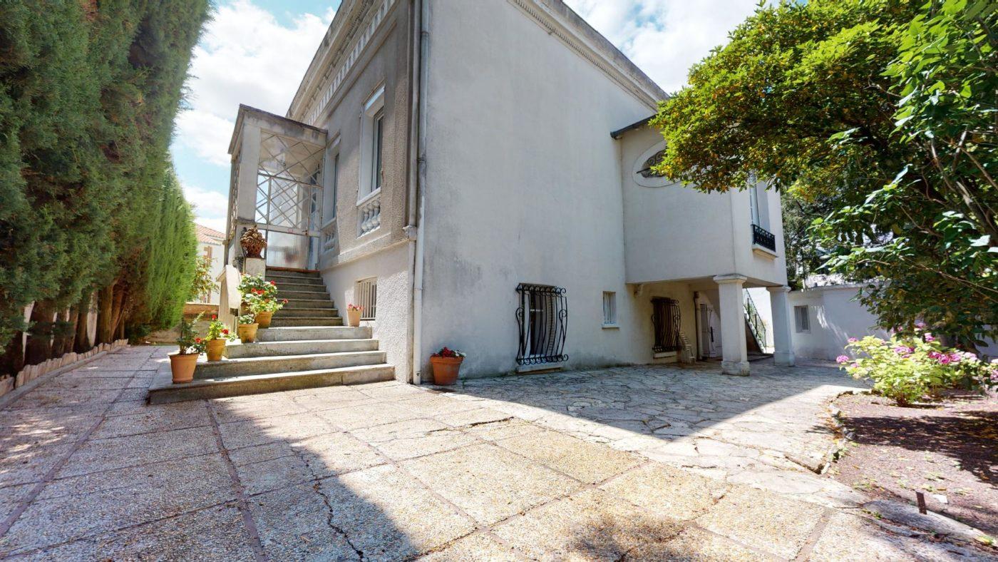 LA-COSTA-PAVADA-UrbanHouse360_101101