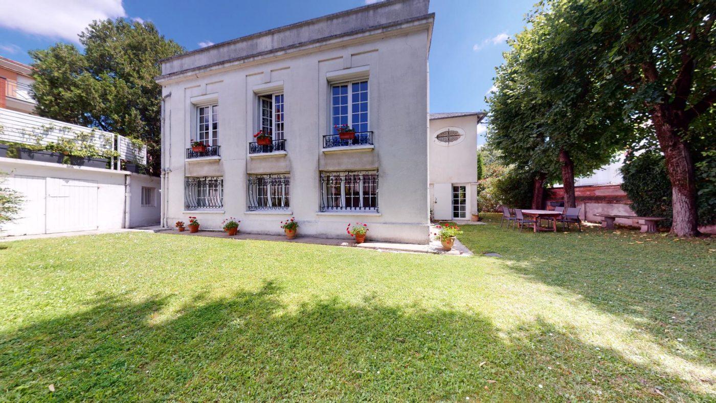 LA-COSTA-PAVADA-UrbanHouse360_102250