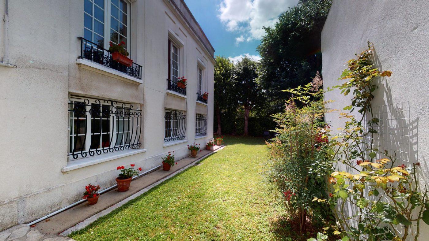 LA-COSTA-PAVADA-UrbanHouse360_102416
